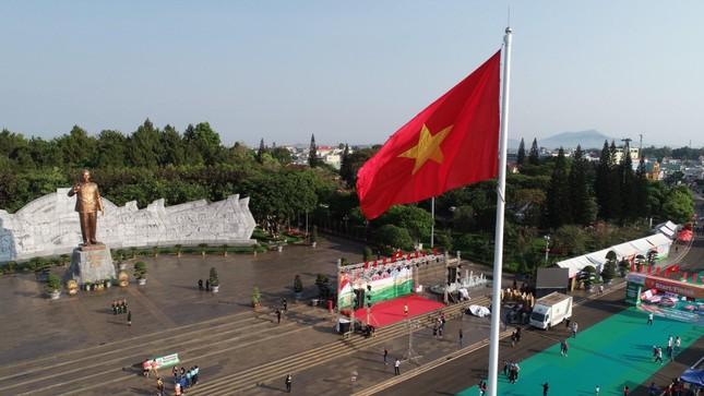 Toàn cảnh Lễ Thượng cờ Giải Tiền Phong Marathon 2021 ảnh 2