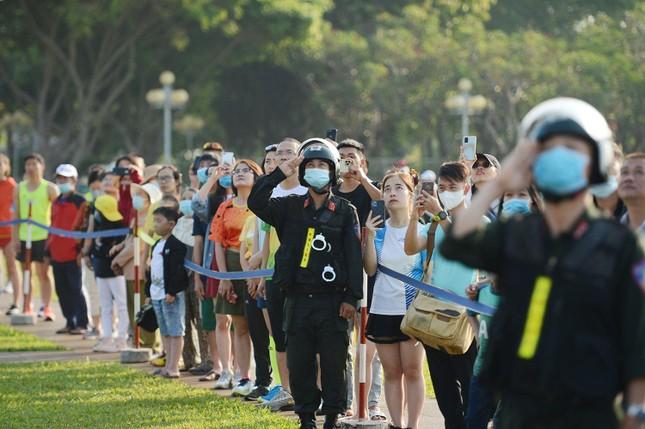 Toàn cảnh Lễ Thượng cờ Giải Tiền Phong Marathon 2021 ảnh 13