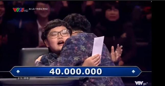 Showbiz 31/3: MC Diễm Quỳnh chia sẻ lý do bất ngờ khi đi thử việc ở VTV3 ảnh 1