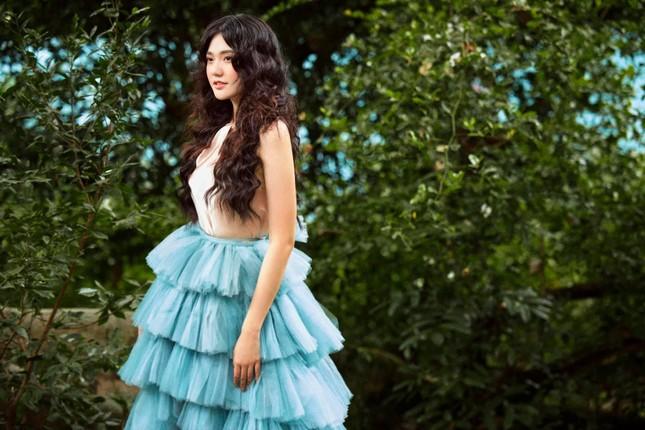 Hoa khôi Đại học Hoa sen từng thi Hoa hậu Việt Nam hóa công chúa rừng xanh, đẹp gây mê ảnh 3