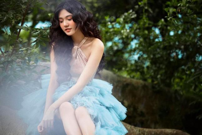 Hoa khôi Đại học Hoa sen từng thi Hoa hậu Việt Nam hóa công chúa rừng xanh, đẹp gây mê ảnh 7