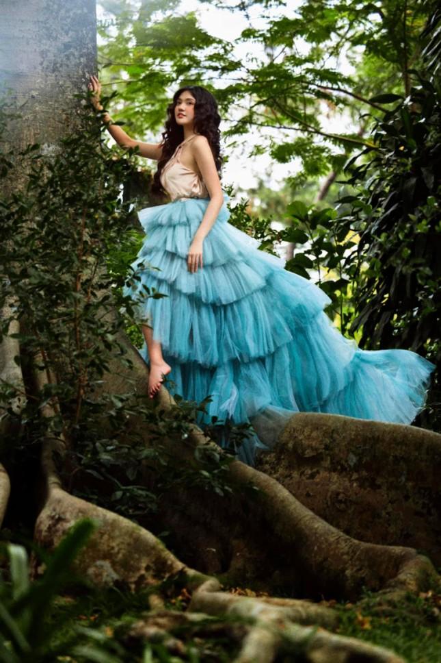 Hoa khôi Đại học Hoa sen từng thi Hoa hậu Việt Nam hóa công chúa rừng xanh, đẹp gây mê ảnh 6