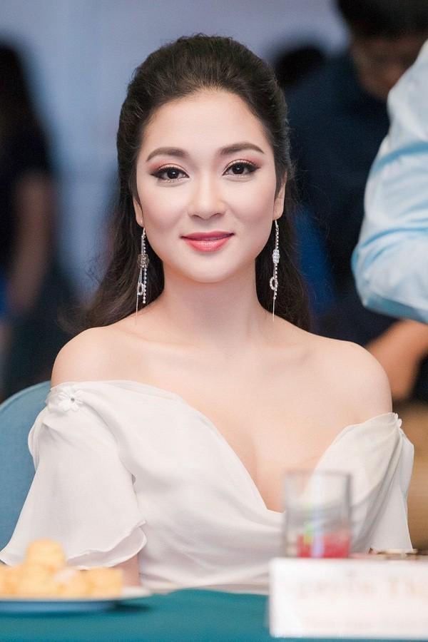Hai người đẹp quê đất Cảng đăng quang Hoa hậu Việt Nam là ai? ảnh 7