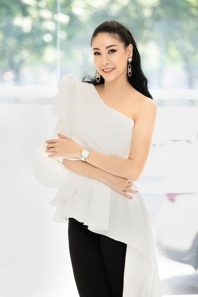 Đăng quang lúc 16 tuổi, Hà Kiều Anh trở thành Hoa hậu trẻ nhất trong lịch sử ảnh 7