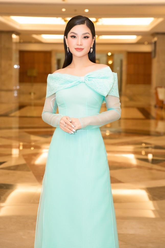 Hoa hậu Đỗ Thị Hà đẹp dịu dàng sánh vai cùng dàn hậu 'đỉnh cao' ảnh 9