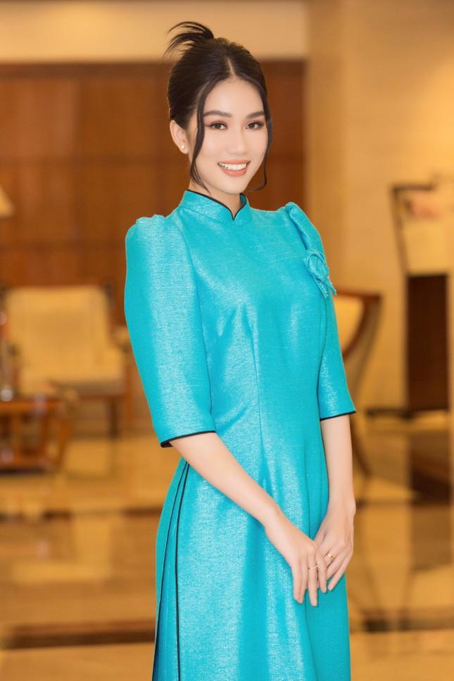 Hoa hậu Đỗ Thị Hà đẹp dịu dàng sánh vai cùng dàn hậu 'đỉnh cao' ảnh 8