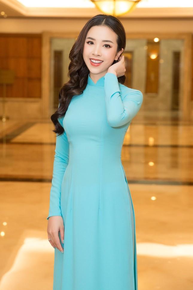 Hoa hậu Đỗ Thị Hà đẹp dịu dàng sánh vai cùng dàn hậu 'đỉnh cao' ảnh 7
