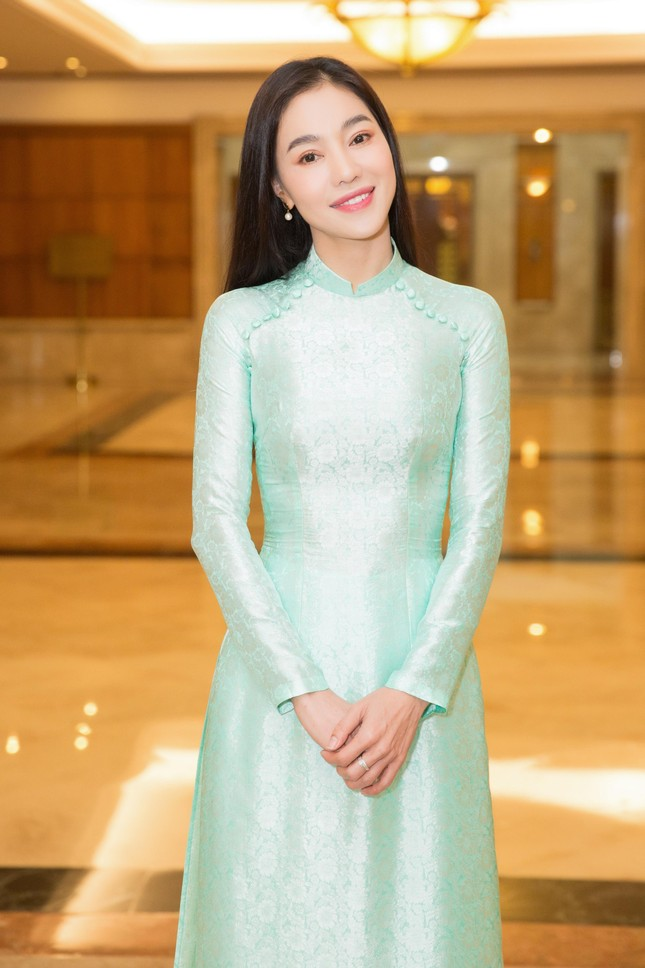Hoa hậu Đỗ Thị Hà đẹp dịu dàng sánh vai cùng dàn hậu 'đỉnh cao' ảnh 14