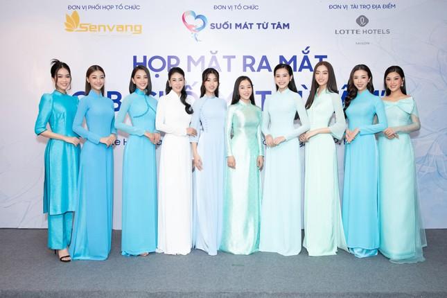 Hoa hậu Đỗ Thị Hà đẹp dịu dàng sánh vai cùng dàn hậu 'đỉnh cao' ảnh 16
