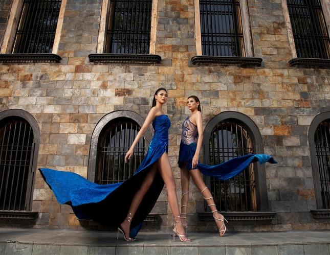 Người đẹp Biển Đào Thị Hà diện váy xẻ cao khoe chân dài miên man ảnh 5