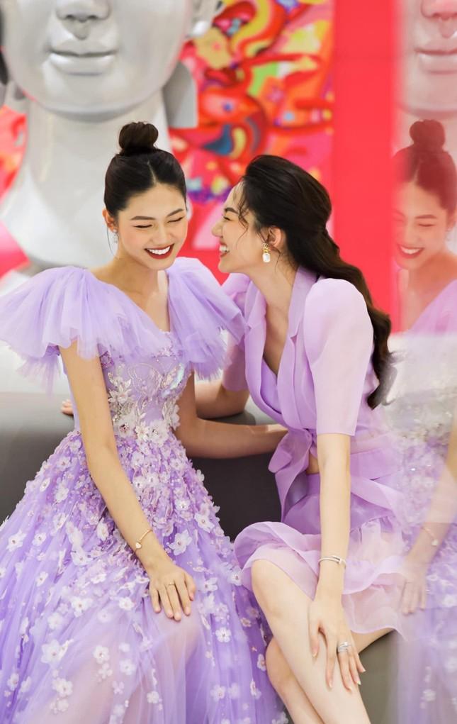 Á hậu Thanh Tú hóa công chúa ngọt ngào trong tiệc sinh nhật lần thứ 27 ảnh 5