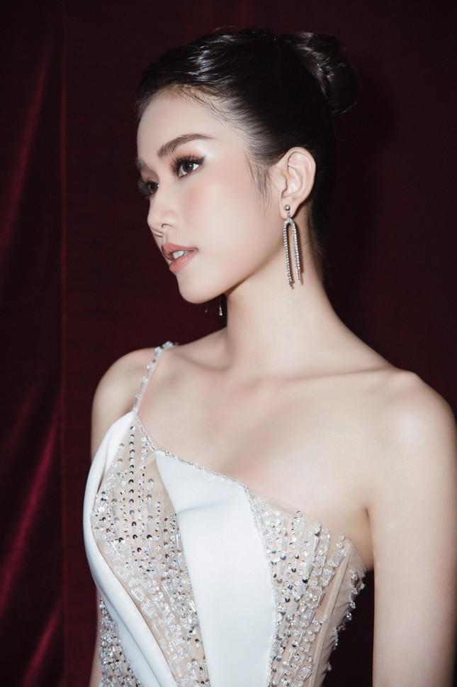 Á hậu Phương Anh diện váy xuyên thấu, gợi cảm khó cưỡng ảnh 3