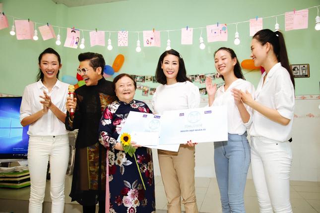 Hoa hậu Hà Kiều Anh đồng hành cùng CLB 'Suối mát từ tâm' ảnh 4