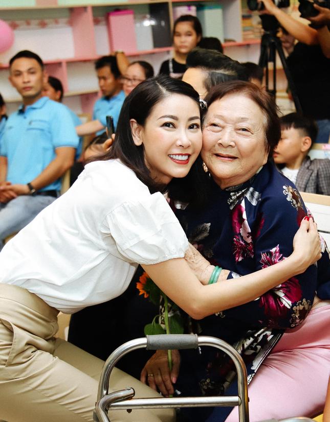 Hoa hậu Hà Kiều Anh đồng hành cùng CLB 'Suối mát từ tâm' ảnh 2
