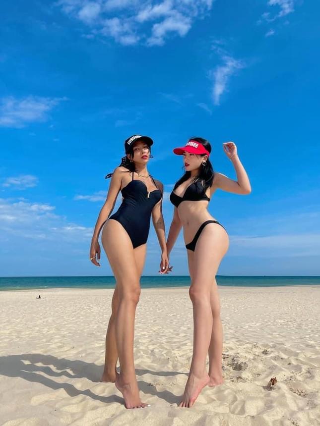 Hoa hậu Kỳ Duyên tung loạt ảnh bikini nóng hơn nắng hè ảnh 3