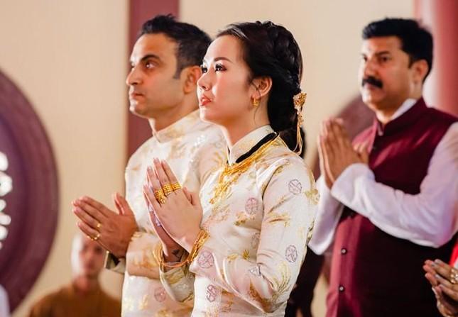 Võ Hạ Trâm lo lắng cho gia đình chồng ở Ấn Độ khi dịch COVID-19 bùng phát kinh hoàng ảnh 1