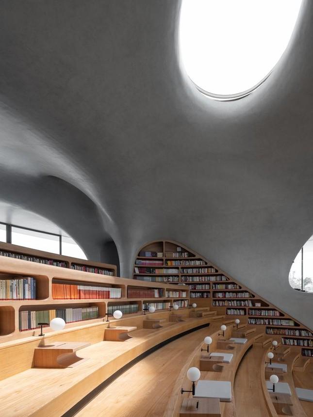 Thư viện nằm bên bờ biển có cấu trúc độc lạ, có một không hai ảnh 6