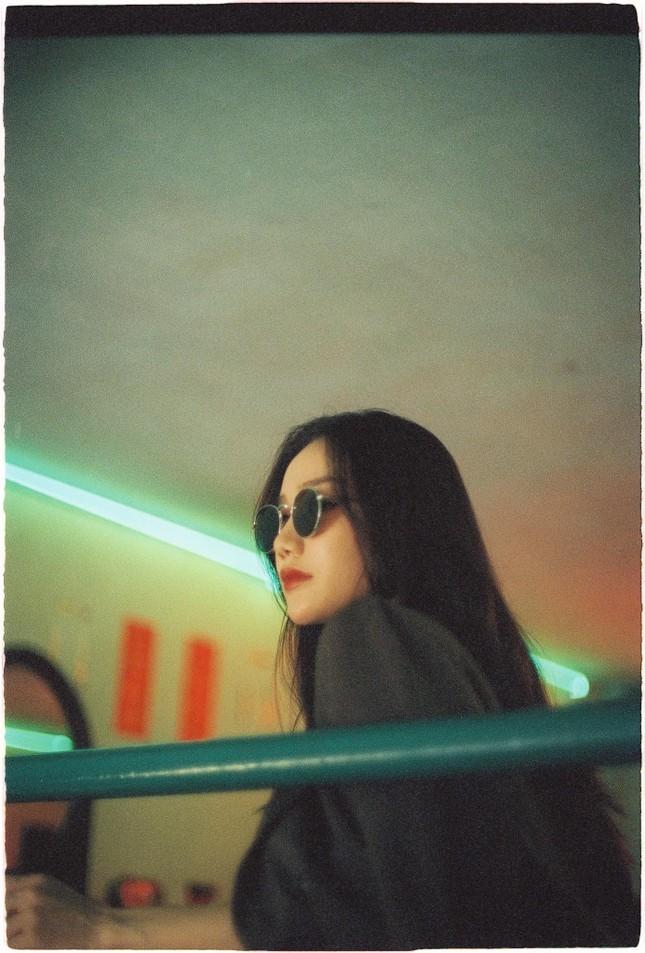 Chụp ảnh 'nổi loạn', cô gái có gương mặt đẹp nhất HHVN 2018 vẫn khiến fan mê mệt ảnh 3