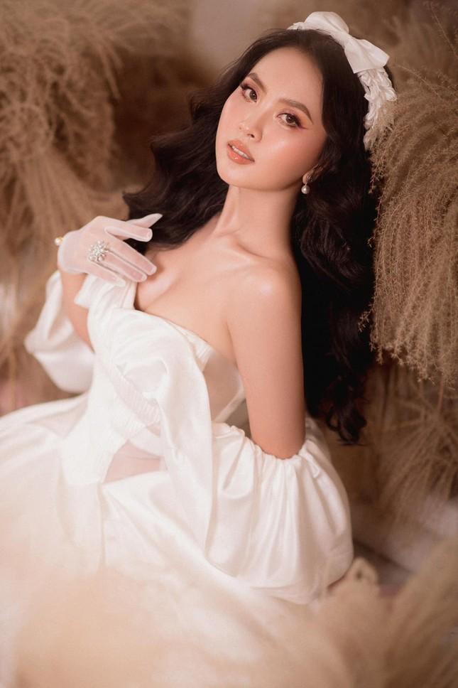 Nhan sắc ngọt ngào của người đẹp Nghệ An hai lần dự thi Hoa hậu Việt Nam ảnh 6