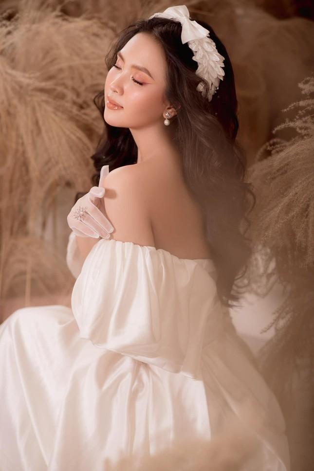 Nhan sắc ngọt ngào của người đẹp Nghệ An hai lần dự thi Hoa hậu Việt Nam ảnh 7