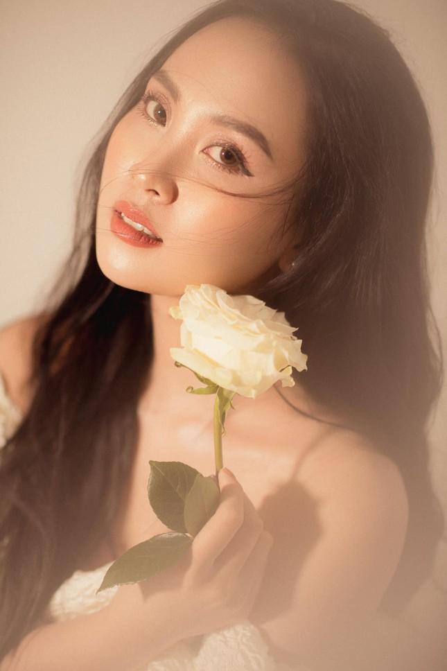 Nhan sắc ngọt ngào của người đẹp Nghệ An hai lần dự thi Hoa hậu Việt Nam ảnh 8