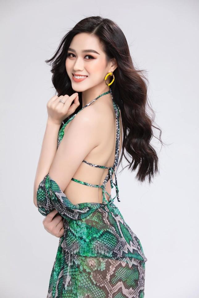 Hoa hậu Đỗ Thị Hà lần đầu tung ảnh bikini sau 6 tháng đăng quang ảnh 5