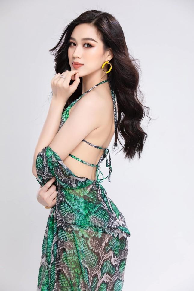 Hoa hậu Đỗ Thị Hà lần đầu tung ảnh bikini sau 6 tháng đăng quang ảnh 3