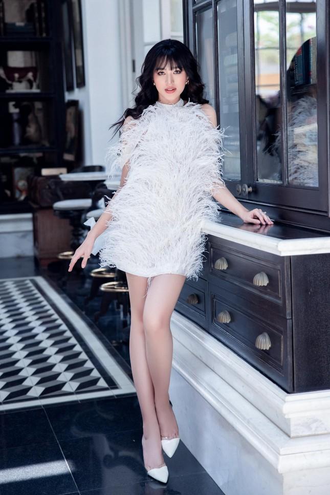 Hoa hậu Đỗ Thị Hà: 'Hồi hộp chờ ngày đi bầu cử nhưng không quên chống dịch' ảnh 1