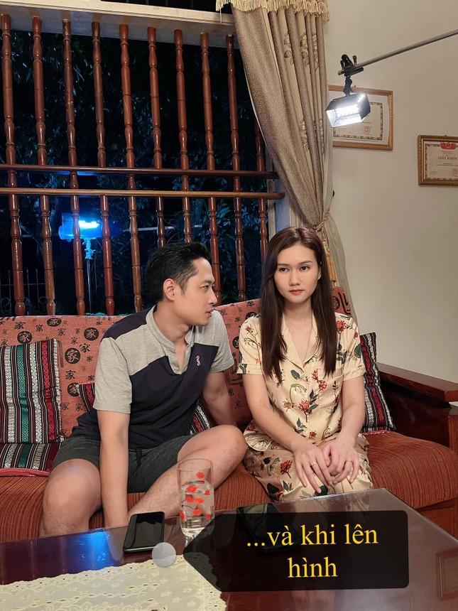 Hương Giang gây tò mò khi làm vợ của Hải Bóng bẩy trong 'Mùa hoa tìm lại' ảnh 4