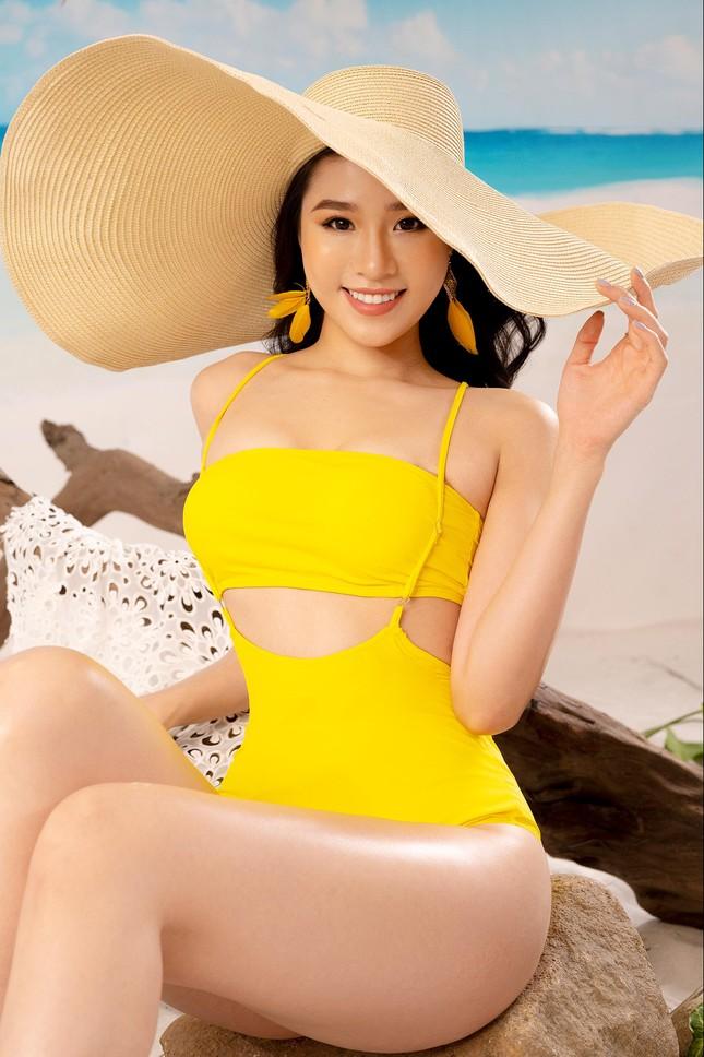 Lần hiếm hoi người đẹp biển Nguyễn Hoàng Bảo Châu khoe ảnh bikini cực gợi cảm ảnh 1