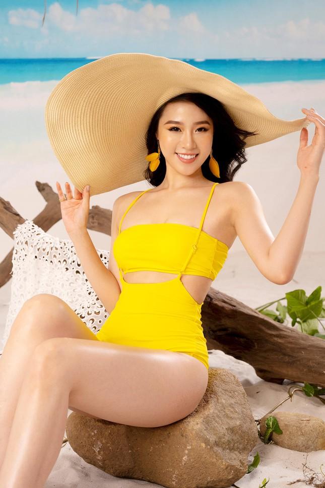 Lần hiếm hoi người đẹp biển Nguyễn Hoàng Bảo Châu khoe ảnh bikini cực gợi cảm ảnh 3