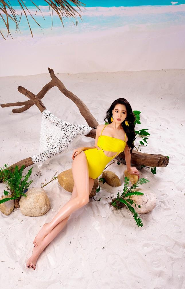 Lần hiếm hoi người đẹp biển Nguyễn Hoàng Bảo Châu khoe ảnh bikini cực gợi cảm ảnh 4