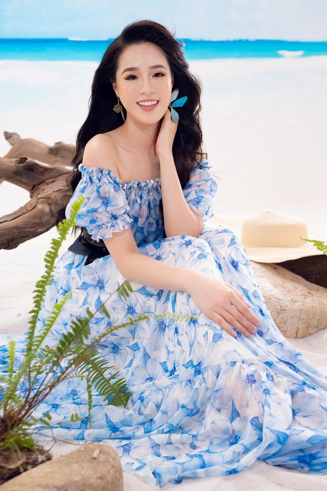 Lần hiếm hoi người đẹp biển Nguyễn Hoàng Bảo Châu khoe ảnh bikini cực gợi cảm ảnh 9