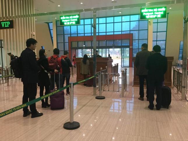 Hàng ngàn người sang Thường Châu tiếp sức mạnh cho U23 Việt Nam ảnh 1