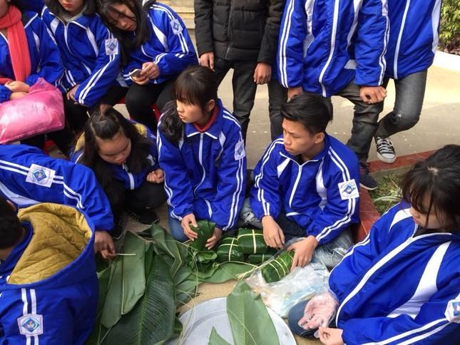 Tặng bánh chưng cho học sinh vùng cao, bệnh nhân nghèo Lạng Sơn ảnh 2