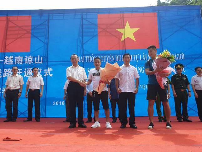 Khai thông tuyến du lịch tự lái xe qua biên giới Việt- Trung ảnh 1