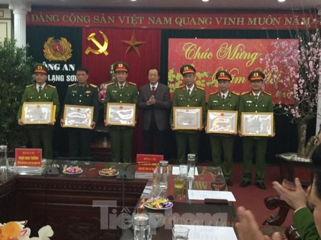 Lạng Sơn khen thưởng ban chuyên án mang bí số 102G ảnh 2
