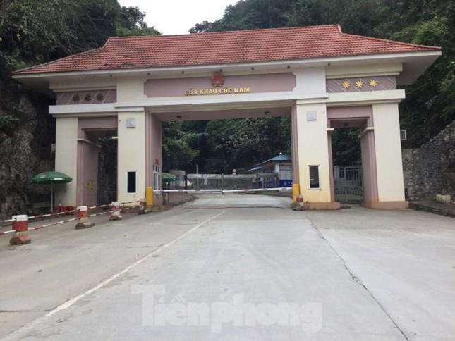 Tạm dừng thông quan hàng hóa qua cửa khẩu Lạng Sơn ảnh 1