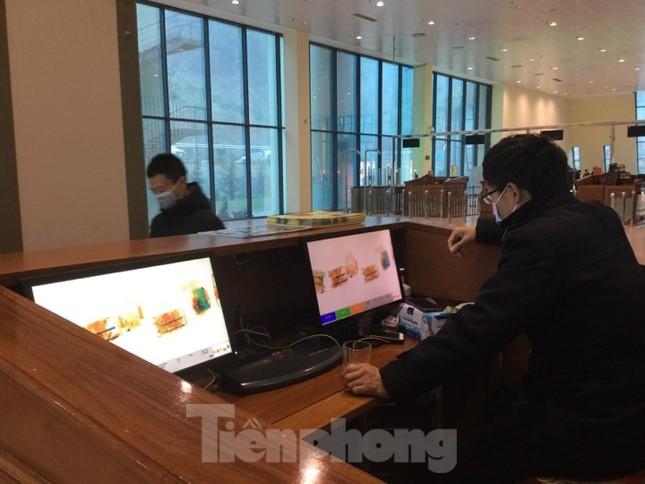 Lo ngại dịch Corona, Lạng Sơn tạm dừng cấp giấy thông hành xuất nhập cảnh ảnh 2