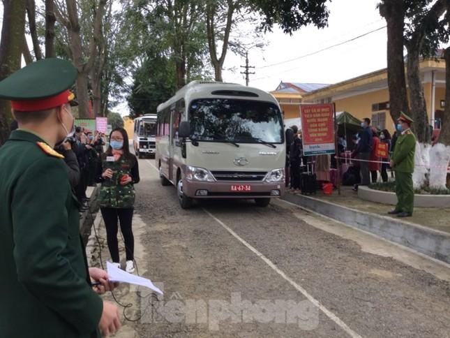 Hết thời hạn, 120 người rời khu cách ly Quân đội ở Lạng Sơn ảnh 9