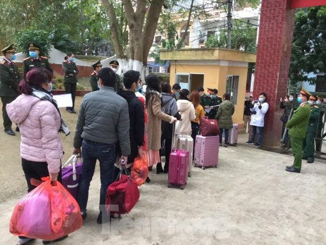 Hết thời hạn, 120 người rời khu cách ly Quân đội ở Lạng Sơn ảnh 10