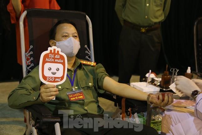 Hiến máu tình nguyện nơi biên ải ảnh 5