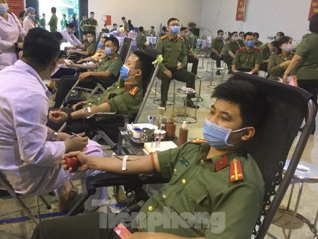Hiến máu tình nguyện nơi biên ải ảnh 7
