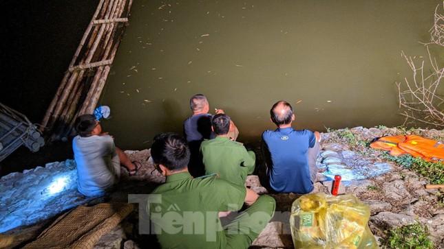 Lạng Sơn: Thâu đêm tìm người mất tích ở đập Nà Tâm ảnh 2