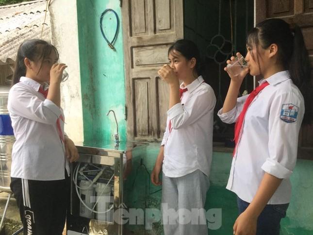 Mang nước sạch về cho trẻ em Lạng Sơn ảnh 2