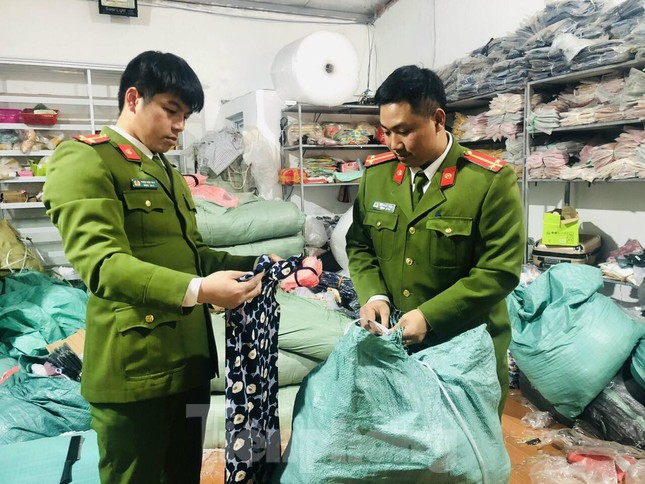 Triệt phá kho hàng lậu 'khủng' ở Lạng Sơn ảnh 1