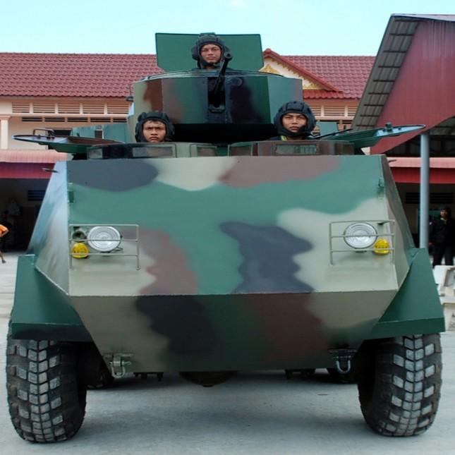 Hình ảnh Đại tướng quân hai lúa kể chuyện chế tạo xe bọc thép số 2