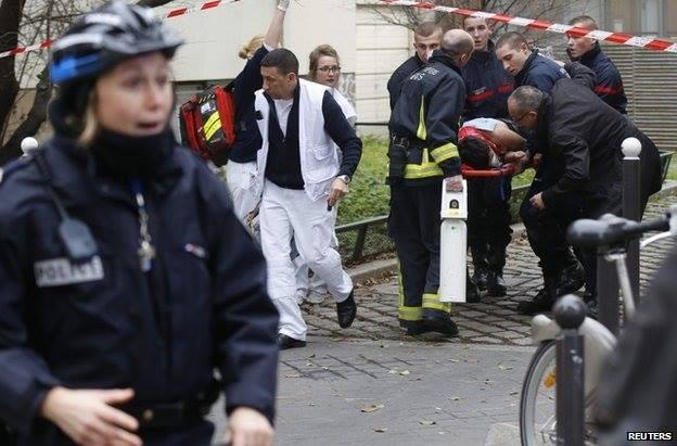 Nghi can 18 tuổi vụ thảm sát tòa soạn Pháp đầu hàng ảnh 5