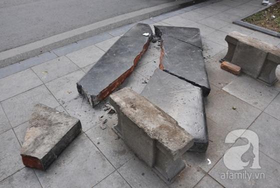 Ghế đá trăm tuổi tại Hồ Gươm bị xe tông vỡ nát ảnh 7