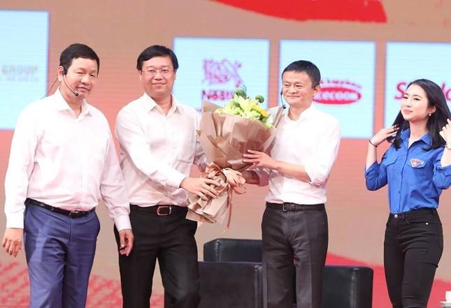 Tỷ phú Jack Ma chúc giới trẻ Việt Nam luôn tiến về phía trước ảnh 31